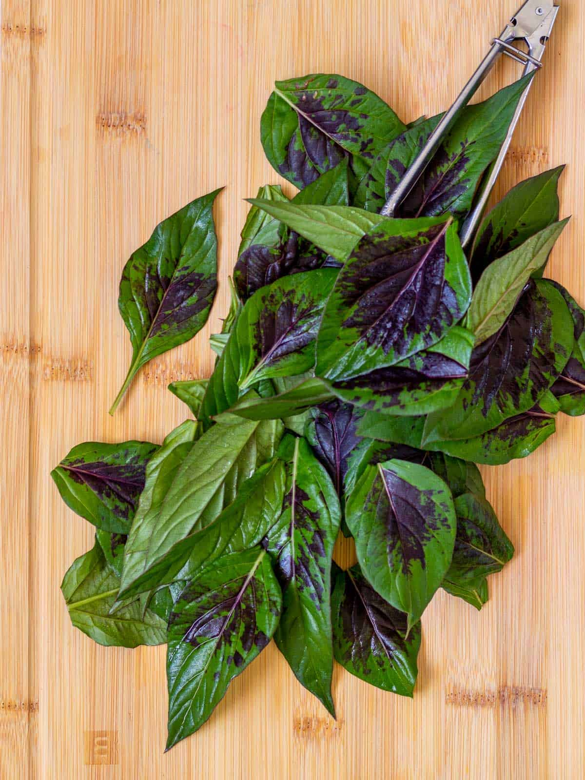 Lagos spinach leaves cook quickly.